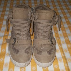 Ladies Guess Milla sneakers size 8.5